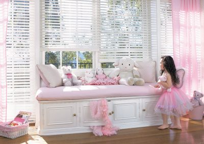 2012_EW_Standard-Cordlock_LR_Faux-Wood_Kids-Room